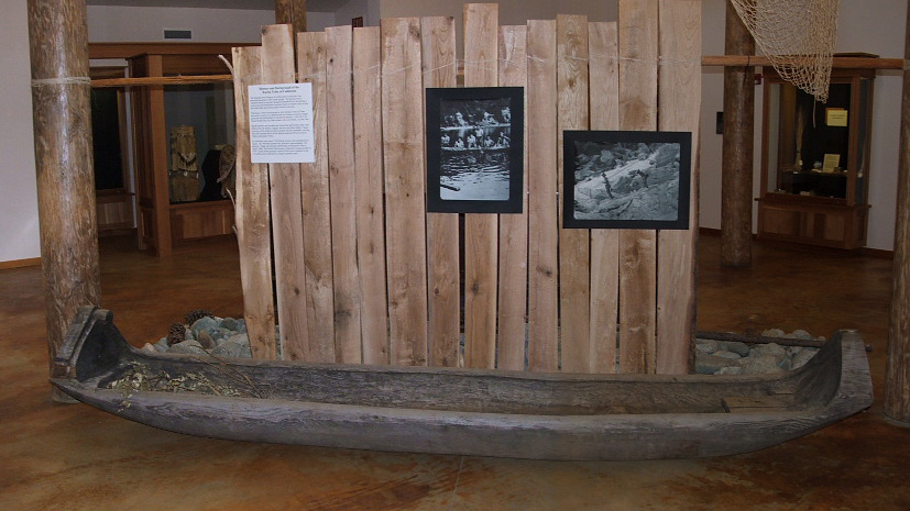 canoe exhibit.jpg